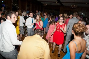 A full wedding dancefloor