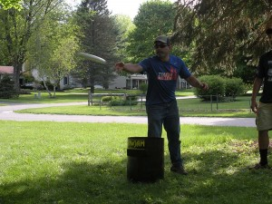 Uncle Mike throwing the frisbee in Kan Jam